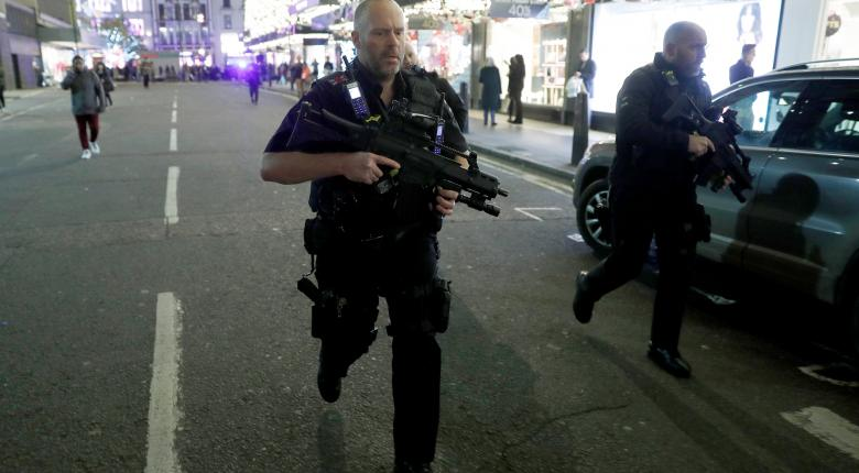 Πανικός στο Λονδίνο, έπειτα από εσφαλμένες αναφορές για πυροβολισμούς - Κεντρική Εικόνα