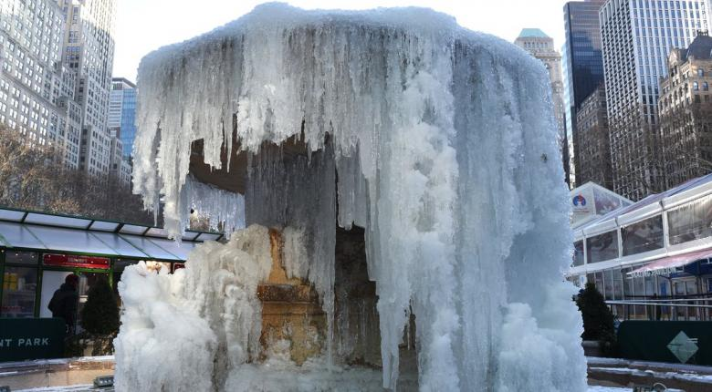 O Σάκης Αρναούτογλου εξηγεί πώς είναι δυνατό η υπερθέρμανση του πλανήτη να φέρνει τόσο ακραία χαμηλές θερμοκρασίες  - Κεντρική Εικόνα