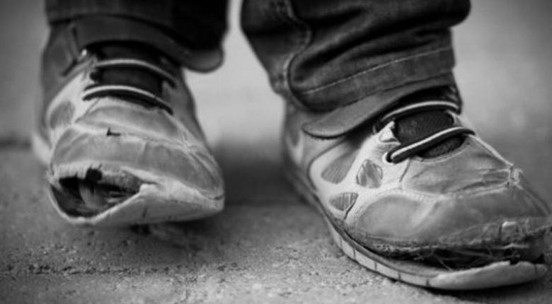 Εκατοντάδες παιδιά 14-18 ετών δουλεύουν σε απάνθρωπες συνθήκες στην Ελλάδα - Κεντρική Εικόνα
