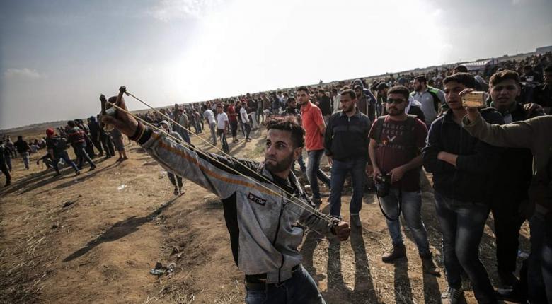 Οι Παλαιστίνιοι καταρρίπτουν τα ισραηλινά drones με σφεντόνες! (video) - Κεντρική Εικόνα