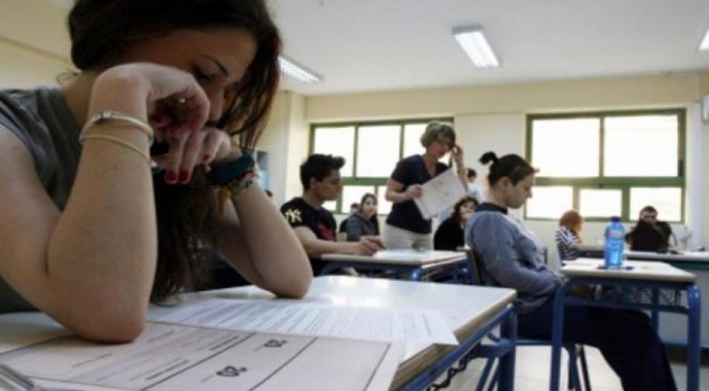 Πολυνομοσχέδιο Κεραμέως: Νέες ανατροπές στις Πανελλαδικές, αξιολόγηση εκπαιδευτικών και Αγγλικά στο... νηπιαγωγείο - Κεντρική Εικόνα