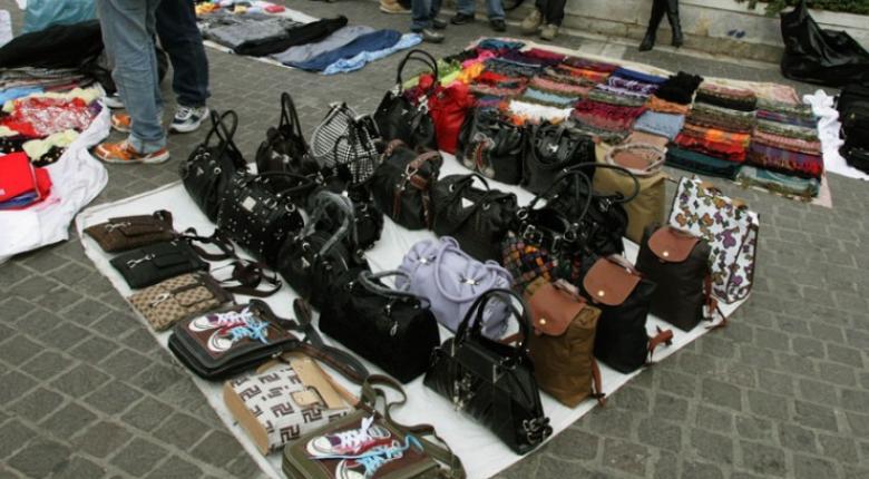 Παρεμπόριο: Εκατοντάδες παραβάσεις και πρόστιμα 65.000 ευρώ - Κεντρική Εικόνα