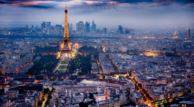 Παρίσι: Απαγόρευση κυκλοφορίας αυτοκινήτων 20ετίας στο κέντρο  - Κεντρική Εικόνα