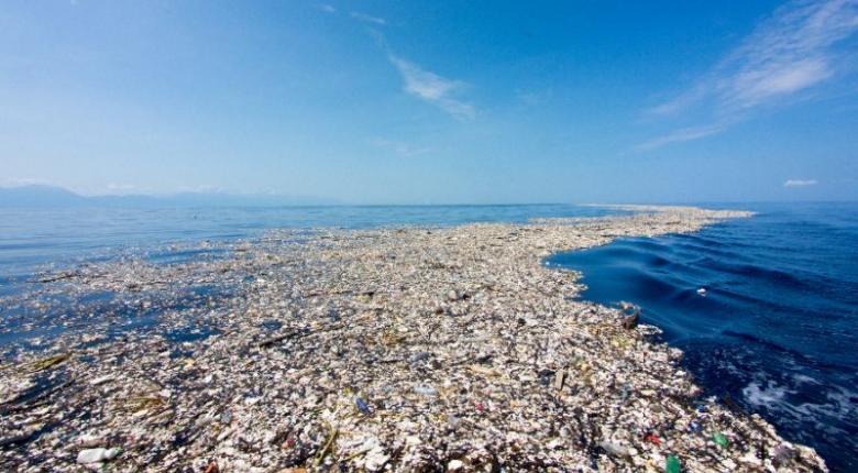 Ένα νέο νησί από απορρίμματα σχηματίζεται στη Μεσόγειο και ένα βουνό από σκουπίδια μεγαλώνει στο Ν. Δελχί - Κεντρική Εικόνα