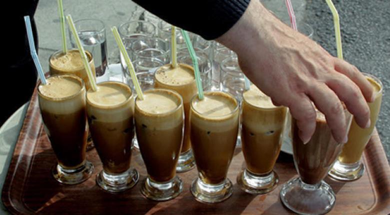 Πόσο φθηνότερα θα πωλούνται από 1η Ιουνίου καφέδες, αναψυκτικά, εισιτήρια μεταφορών και πακέτα ξενοδοχείων - Κεντρική Εικόνα