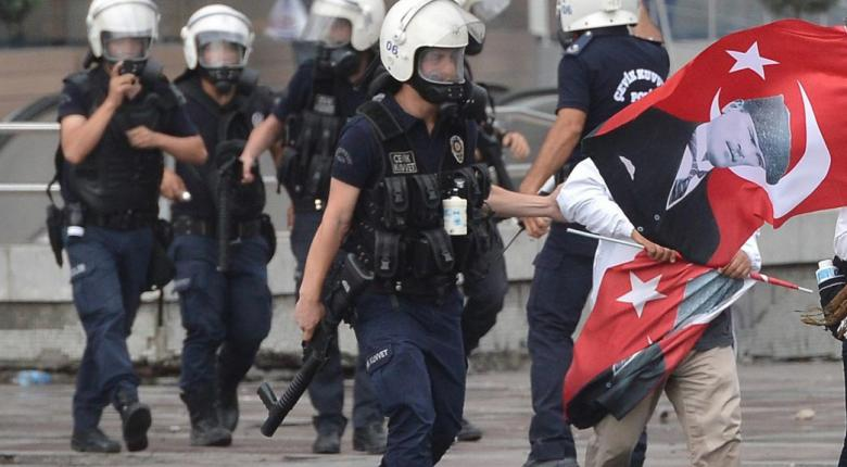 Anadolu: Συνελήφθησαν 5 πρώην αστυνομικοί που προσπαθούσαν να περάσουν από την Τουρκία στην Ελλάδα - Κεντρική Εικόνα
