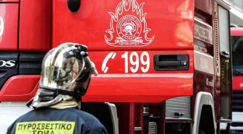 Πυρκαγιά σε ξερά χόρτα στην οδό Πειραιώς προκάλεσε διακοπή του ΗΣΑΠ - Κεντρική Εικόνα