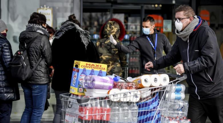 Κορωνοϊός στην Ελλάδα: Tης... κονσέρβας και των οσπρίων στα σούπερ μάρκετ από «επιδρομές» καταναλωτών! - Άδειασαν τα ράφια (Photos) - Κεντρική Εικόνα