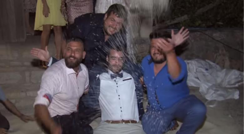 «Έλουσαν» τον γαμπρό με 200 κιλά ρύζι στην Κρήτη (video) - Κεντρική Εικόνα