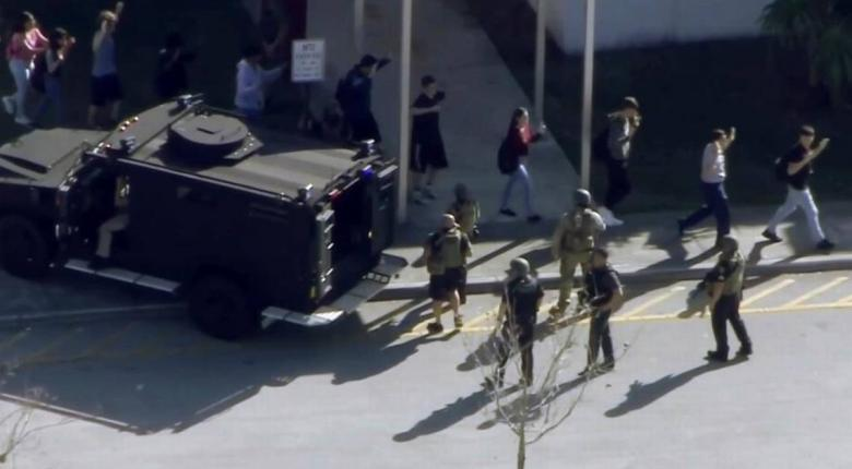 Τουλάχιστον 17 νεκροί από επίθεση ενόπλου σε λύκειο στη Φλόριντα (video) - Κεντρική Εικόνα