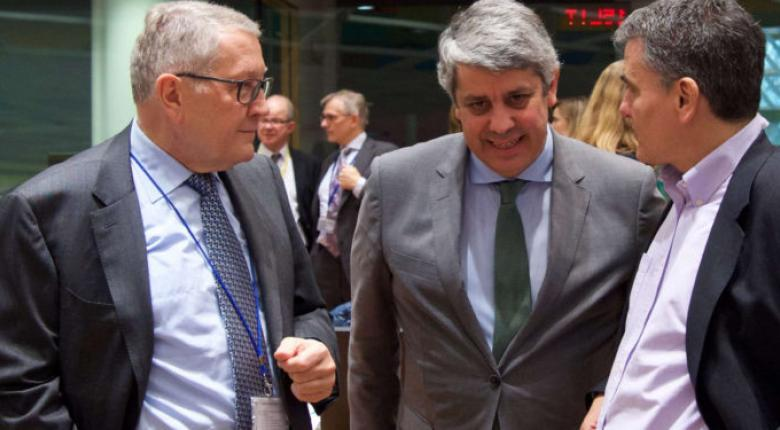 Θερμά λόγια για την Ελλάδα από Σεντένο και Ρέγκλινγκ λίγες ώρες πριν το Eurogroup - Κεντρική Εικόνα