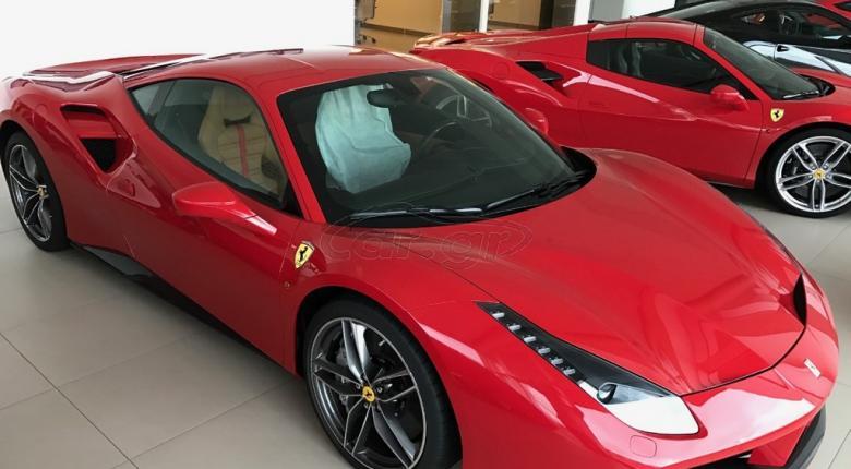 Ferrari και Porsche πωλούνται μισοτιμής στον ΟΔΔΥ - Κεντρική Εικόνα