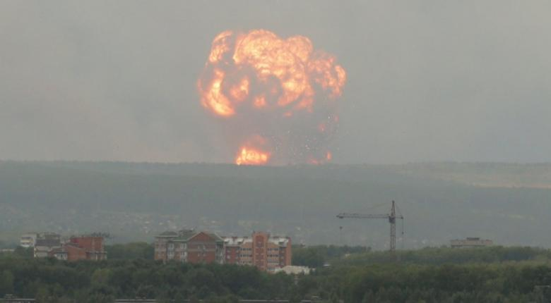 Η πυρκαγιά στις αποθήκες πυρομαχικών στη Σιβηρία ενδέχεται να επεκταθεί - Κεντρική Εικόνα