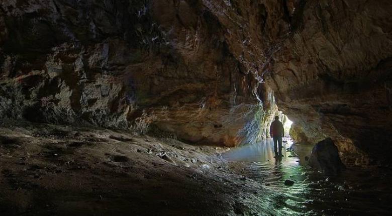 Εντοπίστηκαν τέσσερα από τα πέντε άτομα που είχαν χαθεί στο σπήλαιο Πανός στην Πάρνηθα - Κεντρική Εικόνα