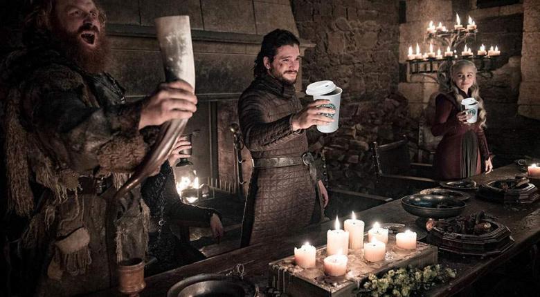 Καφές των... Starbucks σε τραπέζι του Game of Thrones - Η χιουμοριστική παραδοχή της παραγωγής (photo)  - Κεντρική Εικόνα
