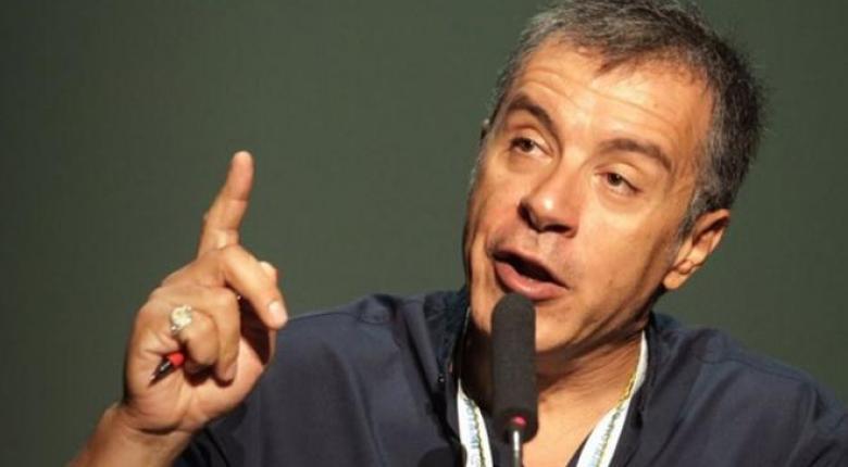 Θεοδωράκης: Είναι ντροπή εκλεγμένοι βουλευτές της αντιπολίτευσης να κατεβαίνουν στις ευρωεκλογές με τη συμπολίτευση - Κεντρική Εικόνα
