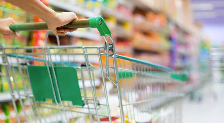 Άνδρας «κατέβαζε» τα ράφια των σούπερ μάρκετ και τα έκρυβε στα ρούχα του - Κεντρική Εικόνα