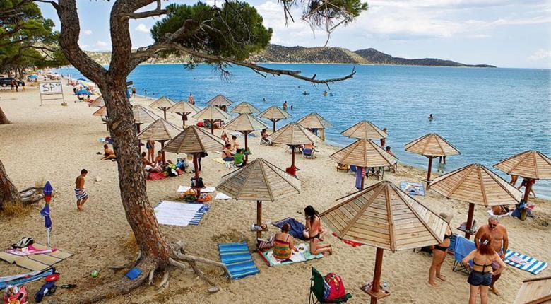Τι συμβαίνει με τις παραλίες Λούτσας, Ωρωπού και Σχινιά - Κεντρική Εικόνα
