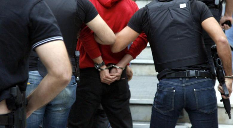 Συλλήψεις για κλοπές πολυτελών αυτοκινήτων και μηχανών μεγάλου κυβισμού - Κεντρική Εικόνα