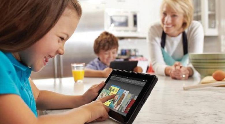 Καθυστερεί την ανάπτυξη των μικρών παιδιών η χρήση τάμπλετ - Κεντρική Εικόνα