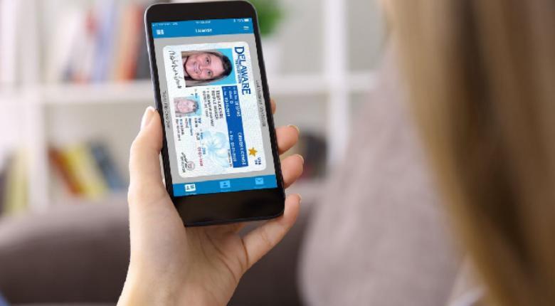 Νέες ταυτότητες: Θα τις «κουβαλάμε» και στο κινητό μέσω app - Κεντρική Εικόνα