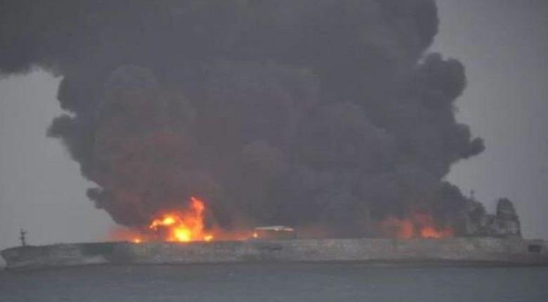 To τάνκερ που βυθίστηκε άφησε δύο πετρελαιοκηλίδες 109 τετραγωνικών χιλιομέτρων - Κεντρική Εικόνα