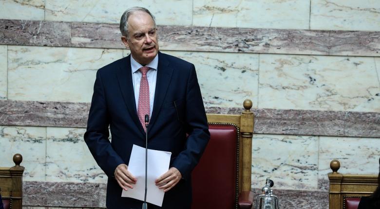 Βουλή: Αυστηρές συστάσεις Τασούλα για το κάπνισμα - Κεντρική Εικόνα