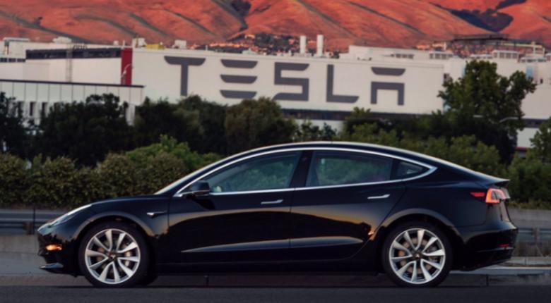 Μεγάλη άνοδο γνωρίζουν οι πωλήσεις των ηλεκτροκίνητων μοντέλων Tesla στην Ευρώπη - Κεντρική Εικόνα