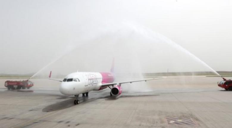 Η εντυπωσιακή υποδοχή της πρώτης πτήσης της Qatar από την Ντόχα στη Θεσσαλονίκη (video) - Κεντρική Εικόνα