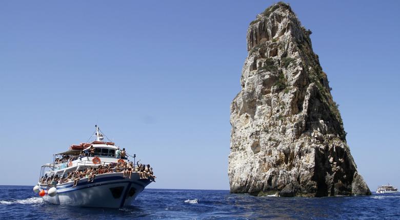 Ηandelsblatt: Τι θα γίνει εάν φέρουν οι τουρίστες μαζικά τον κορωνοϊό στην Ελλάδα - Κεντρική Εικόνα