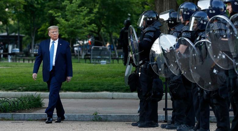 «Όπισθεν» Τραμπ μετά τις αντιδράσεις για χρήση στρατού «Δεν νομίζω ότι θα χρειαστεί να το κάνουμε» - Κεντρική Εικόνα