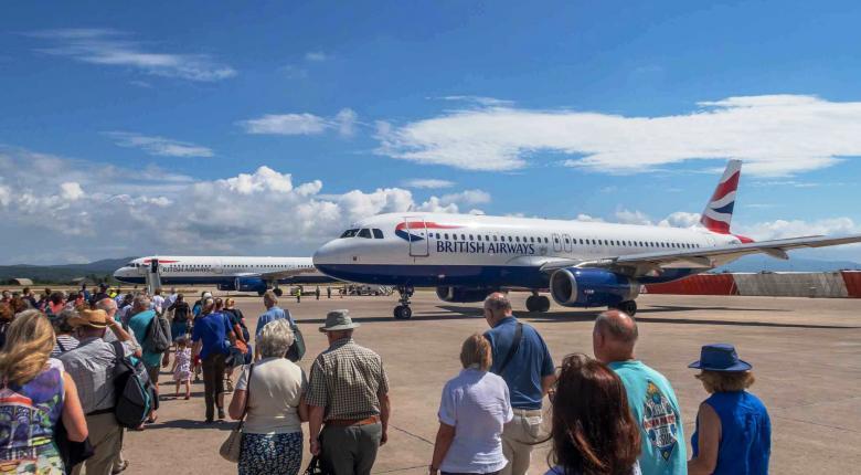 Ανοίγουν ξανά σήμερα οι απευθείας πτήσεις από την Βρετανία - Κεντρική Εικόνα