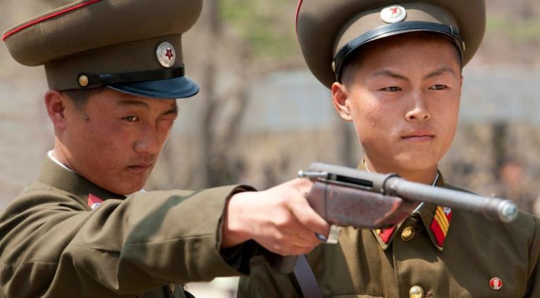 Β. Κορέα: Εκτελέστηκαν 6 πολίτες που προσπάθησαν να βγάλουν εκτός χώρας... τον τηλεφωνικό κατάλογο - Κεντρική Εικόνα