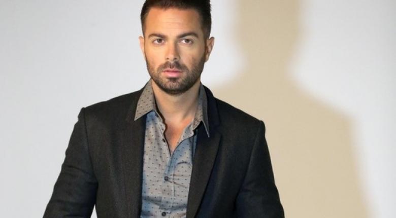 Σε τροχαίο τραυματίστηκε ο τραγουδιστής Ηλίας Βρεττός - Κεντρική Εικόνα