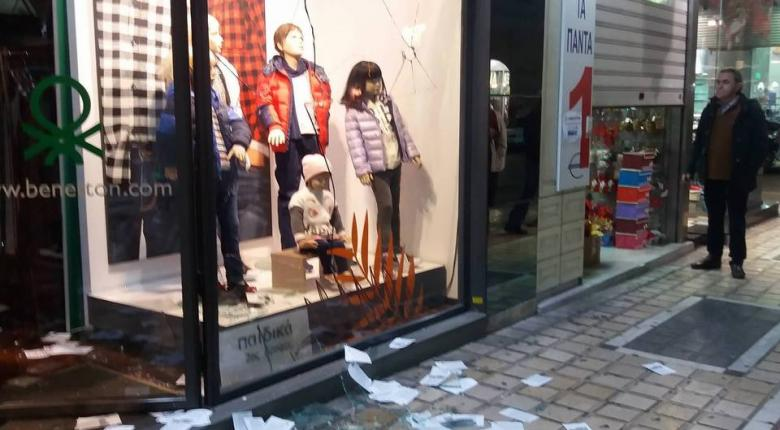 Ζημιές σε καταστήματα στο κέντρο της Πάτρας - Κεντρική Εικόνα